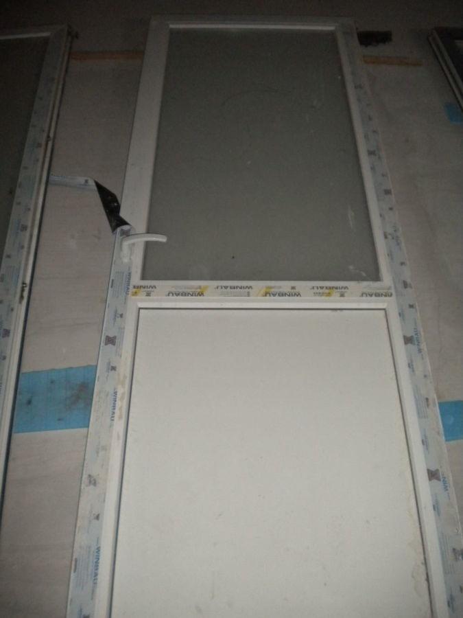 Фото 2 - Металлопластиковая дверь (87х237 мм)