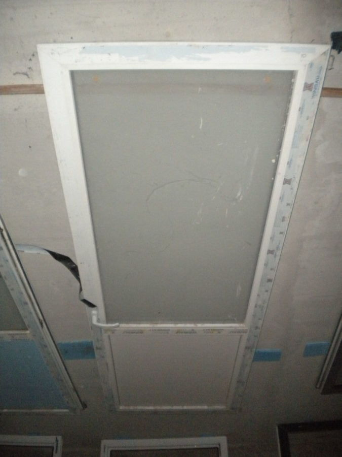 Фото 3 - Металлопластиковая дверь (87х237 мм)