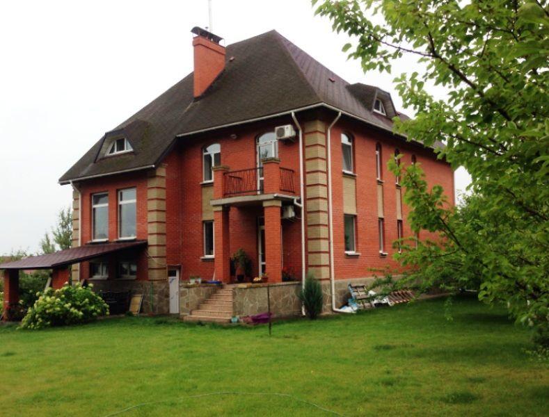 Дом с дизайнерским ремонтом в Ирпене
