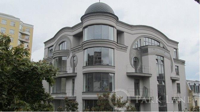 Четырехкомнатная квартира ул. Франко Ивана 11 в Киеве