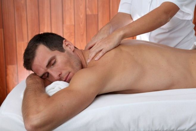 Требуется на работу девушка-массажист