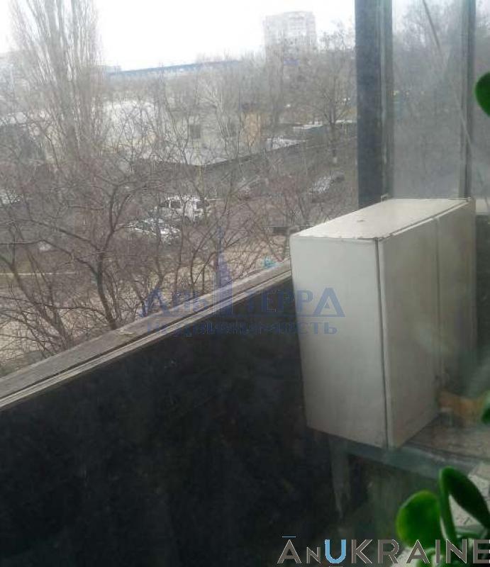 Фото - Продам 1-но комн. квартиру на Маршала Жукова в кирпичном доме.