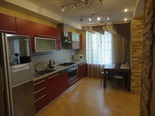 Продажа квартиры с ремонтом на Сухумской