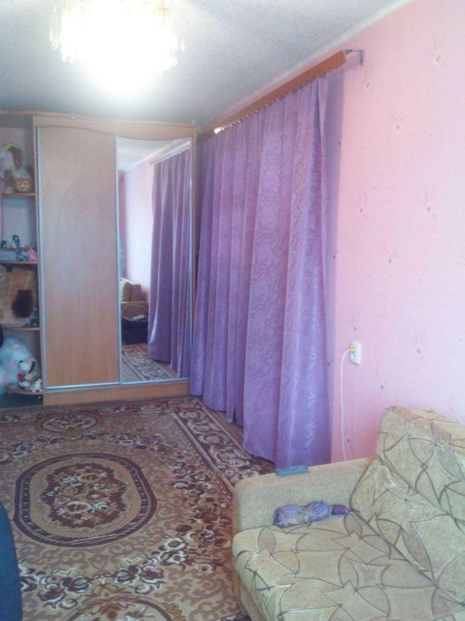 Продам хорошенькую 3-х комнатную по ул. Героев Труда в 522 м/р.