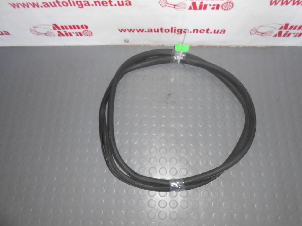 Уплотнитель двери задний правый (4B9833721E) AUDI A6 C5 97-05