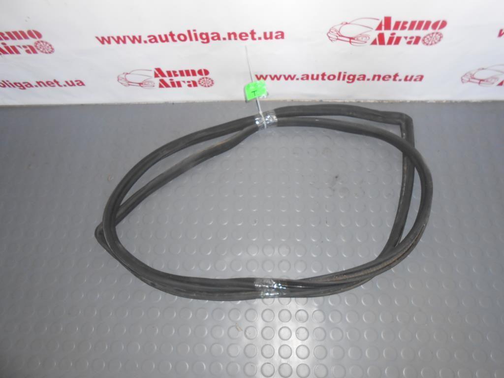 Уплотнитель крышки багажника (4B9827705G) AUDI A6 C5 97-05