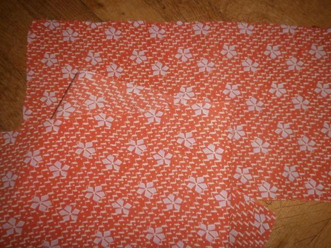 Ткань батист хлопок, апельсиновый цвет с белыми  листиками 2