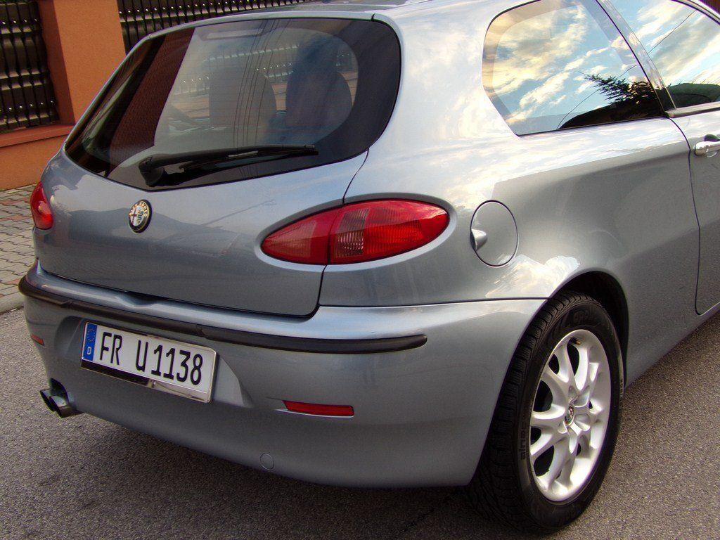 Задний фонарь в крыло Alfa Romeo 147 (Альфа Ромео 147) 2000-2010г.