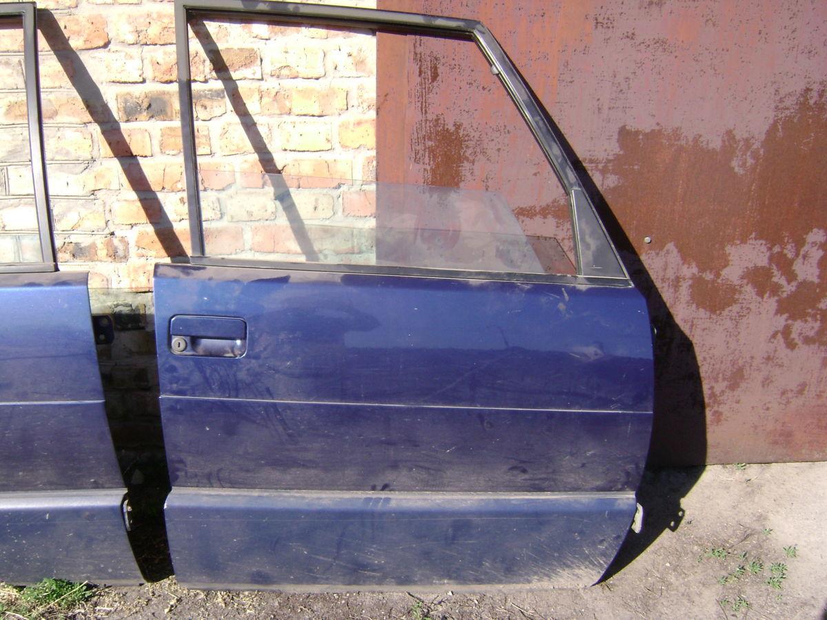 Дверь передняя правая RENAULT ESPACE II минивен 94 г.