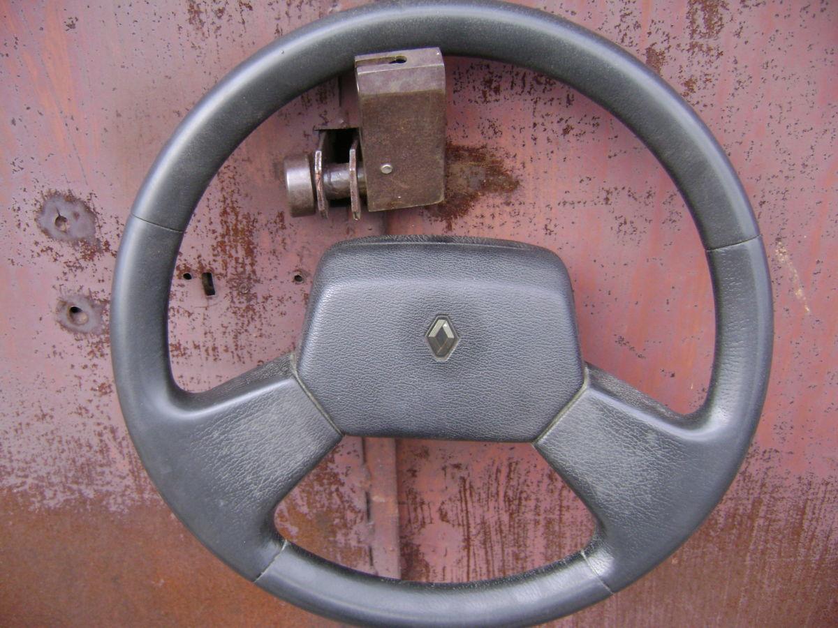 Руль автомобиля RENAULT ESPACE II 1991-96 года выпуска.