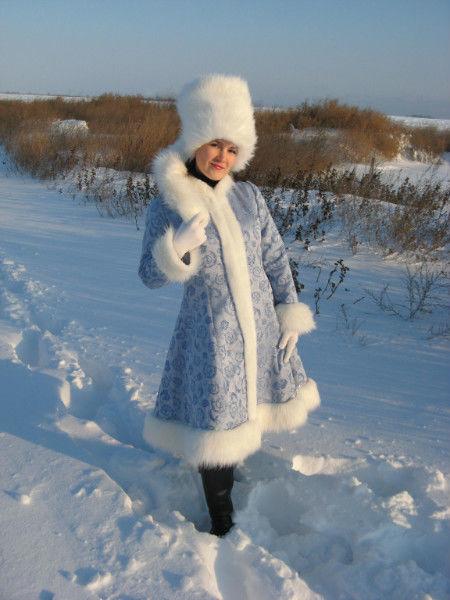Фото 2 - Дед Мороз и Снегурочка на поселке Котовского!