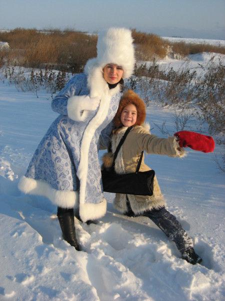 Фото 6 - Дед Мороз и Снегурочка на поселке Котовского!