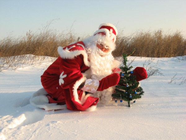Фото 3 - Дед Мороз и Снегурочка на поселке Котовского!
