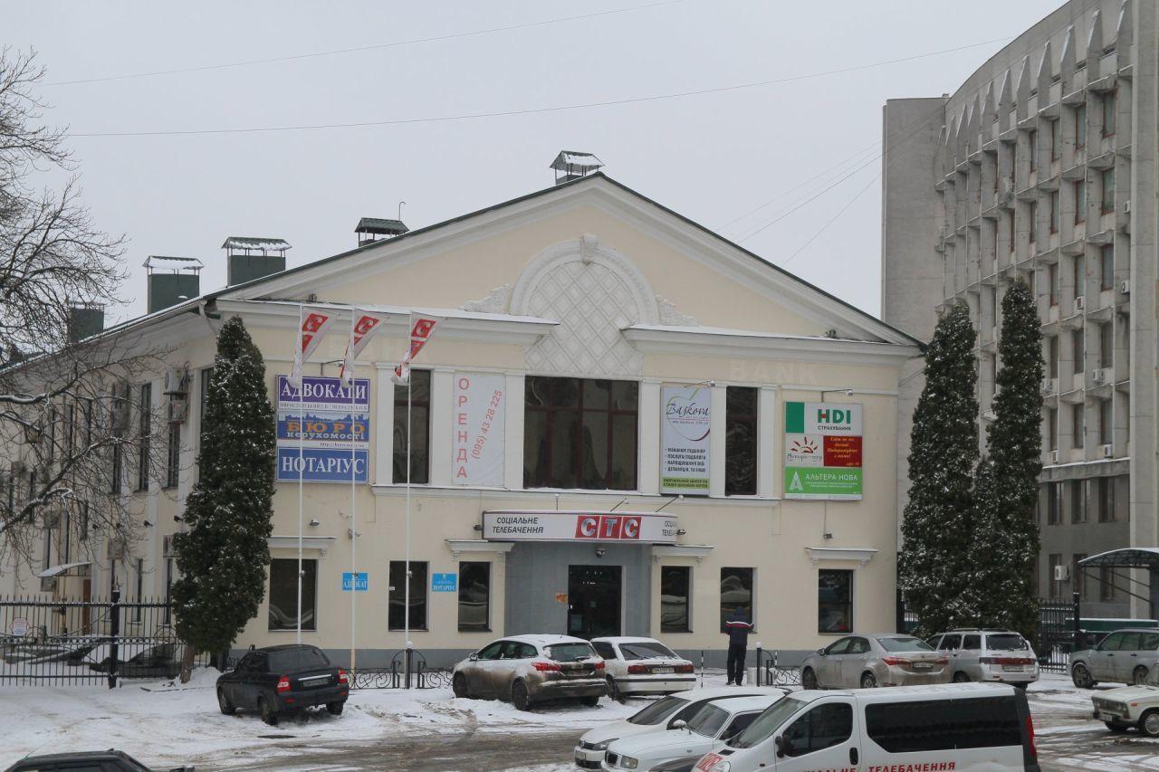 Продам двухэтажное здание пл. Независимости без комиссии