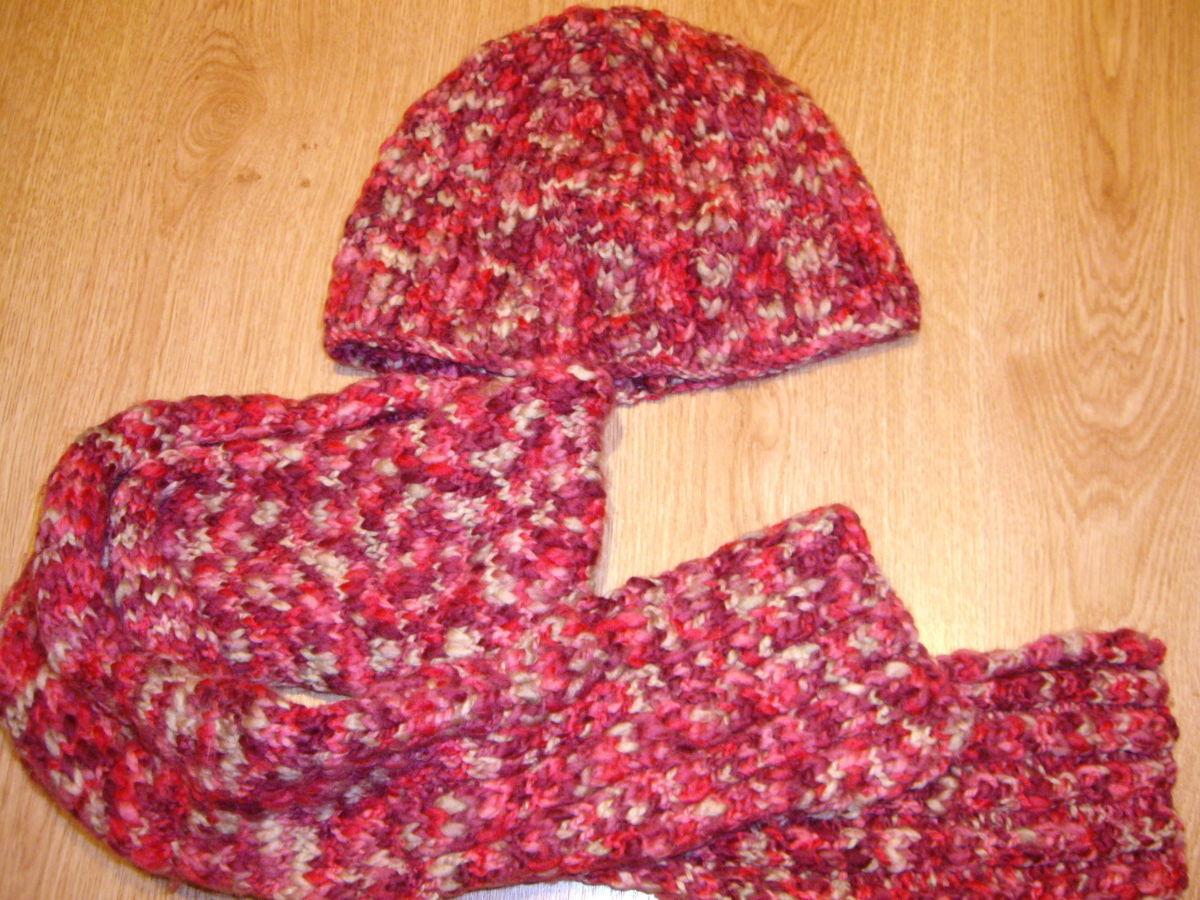 Фото 2 - Красивый шерстяной набор, шапка с шарфом.
