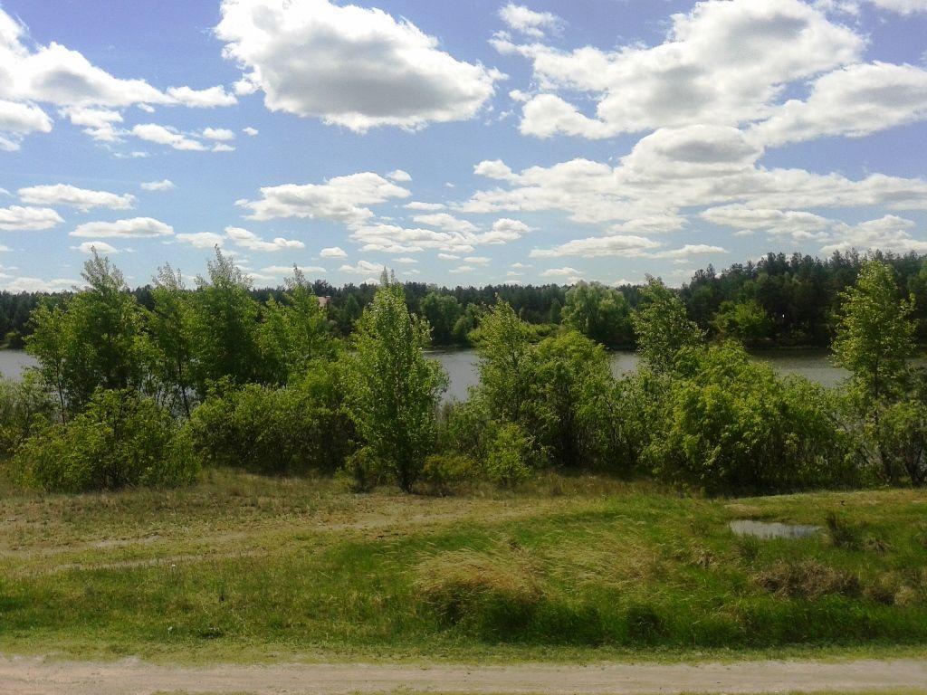 Участок 1,82 ГА возле воды - 15 км. до Киева