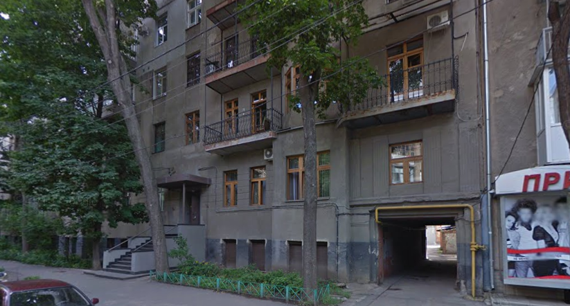 Продам 5-комнатную квартиру в самом центре Харькова