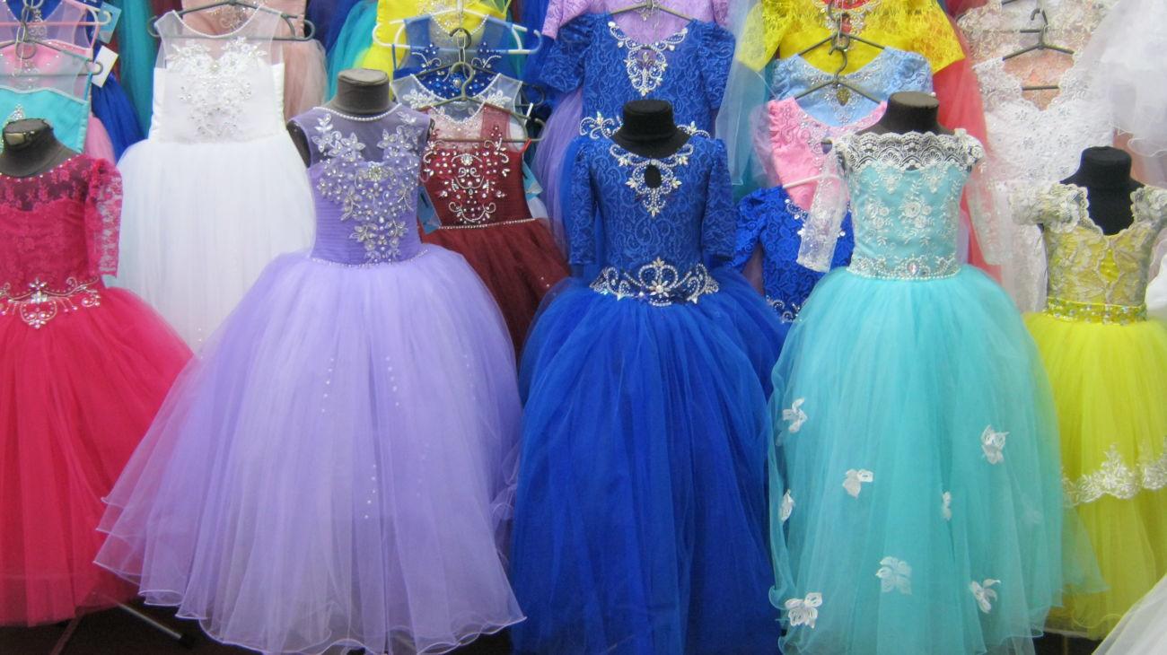Платья нарядные,бальное платье,длинное,в пол,модное,пышное,перчатки.