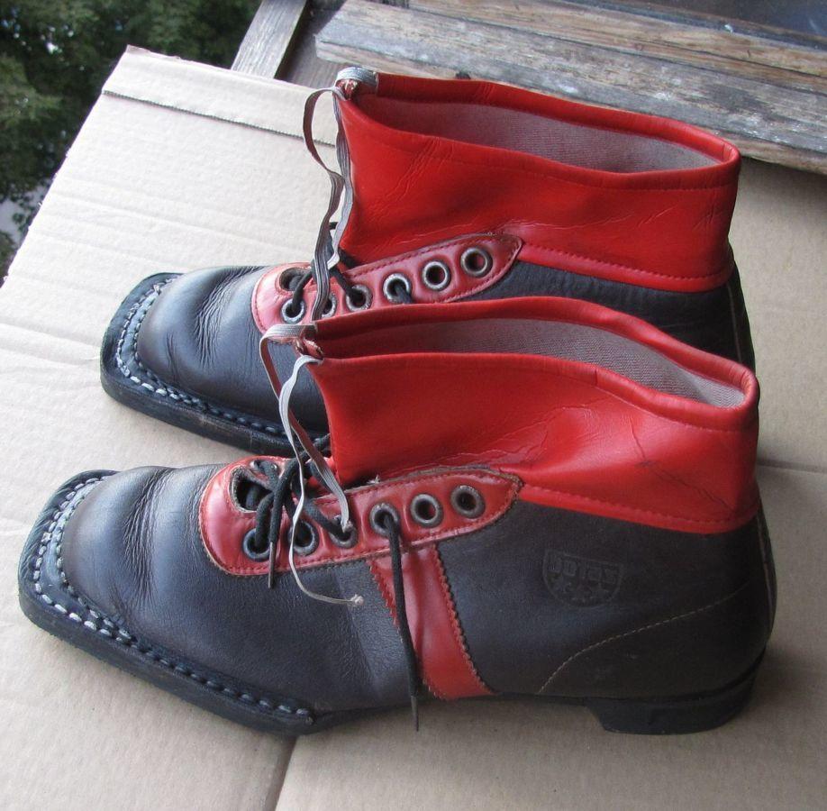 Ботинки лыжные времён СССР: botas (Чехия)