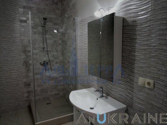 Продам 1 комнатную квартиру на Макаренко.