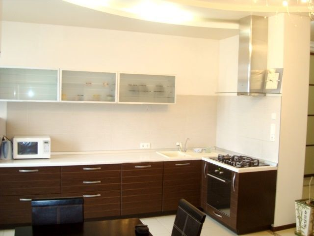 Продам 3-х квартиру 93м в новострое по ул. Театральной