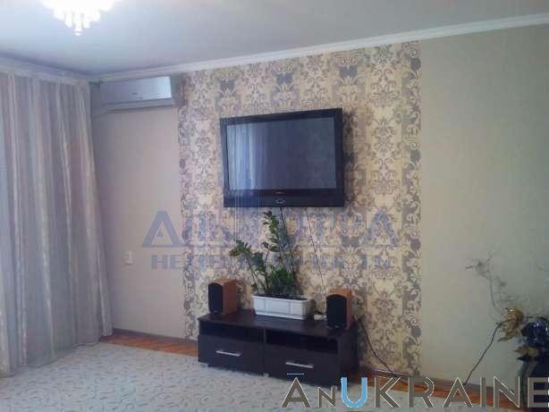Продам 3х комнатную квартиру на Таирова.