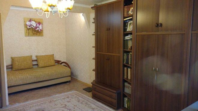 Продам 1-комнатную квартиру Тополь-2