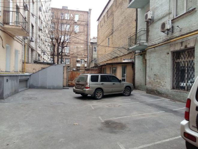 Саксаганского 131б. Просторная 2-к. квартира в центре. 9