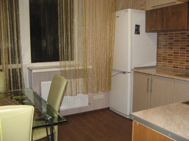 Продам 1 комнатную квартиру в Одессе. Улица Сахарова, 6