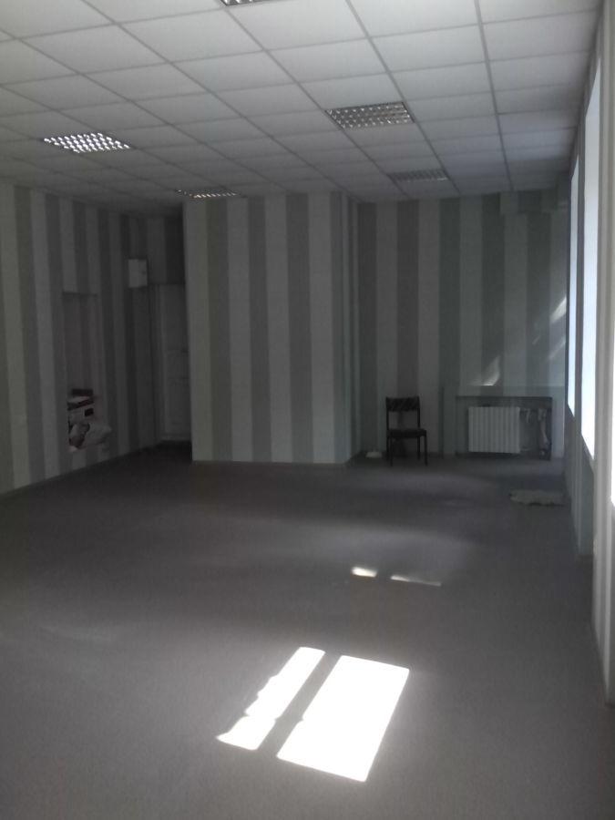 Продам.Магазин,нотариус,клиника,салон Карла Маркса 98,1 этаж,65 м.кв.