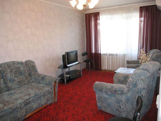 Фото 2 - Теплая,уютная  2-к квартира на Титова.