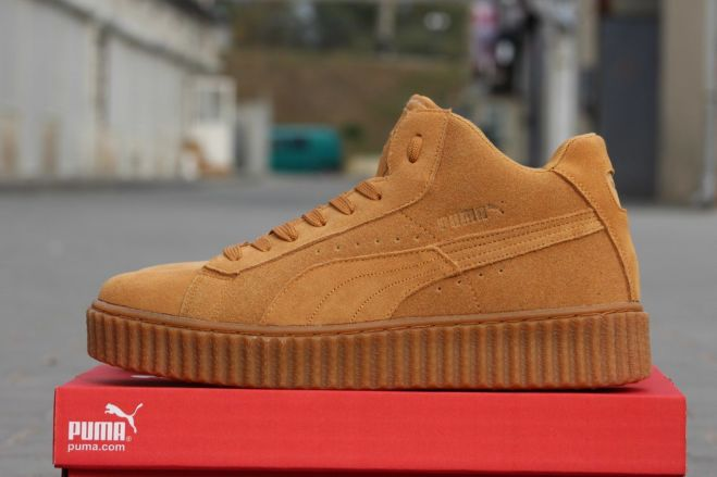 Высокие замшевые кроссовки Puma by Rihanna зимние  804 грн ... ad2e85fe67c