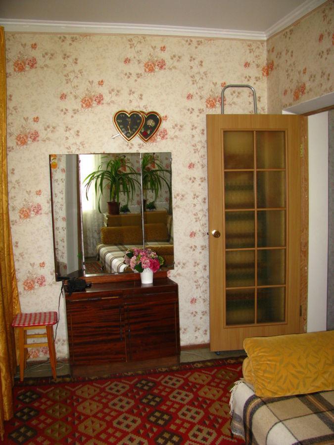 Фото 4 - Продаётся 2 комнатная квартира ,  Скороходова / Садовая .
