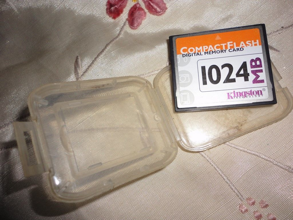 Фото 2 - Kingston Technology 1024 MB CompactFlash