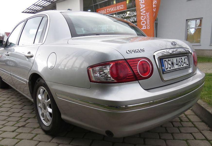 Задний фонарь в крыло Kia Opirus (Киа Опирус) 2003-2011 год.