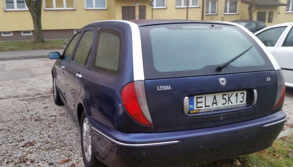 Фото - Lancia Lybra (Лянча Либра) 1999—2005 год .Стекло багажника