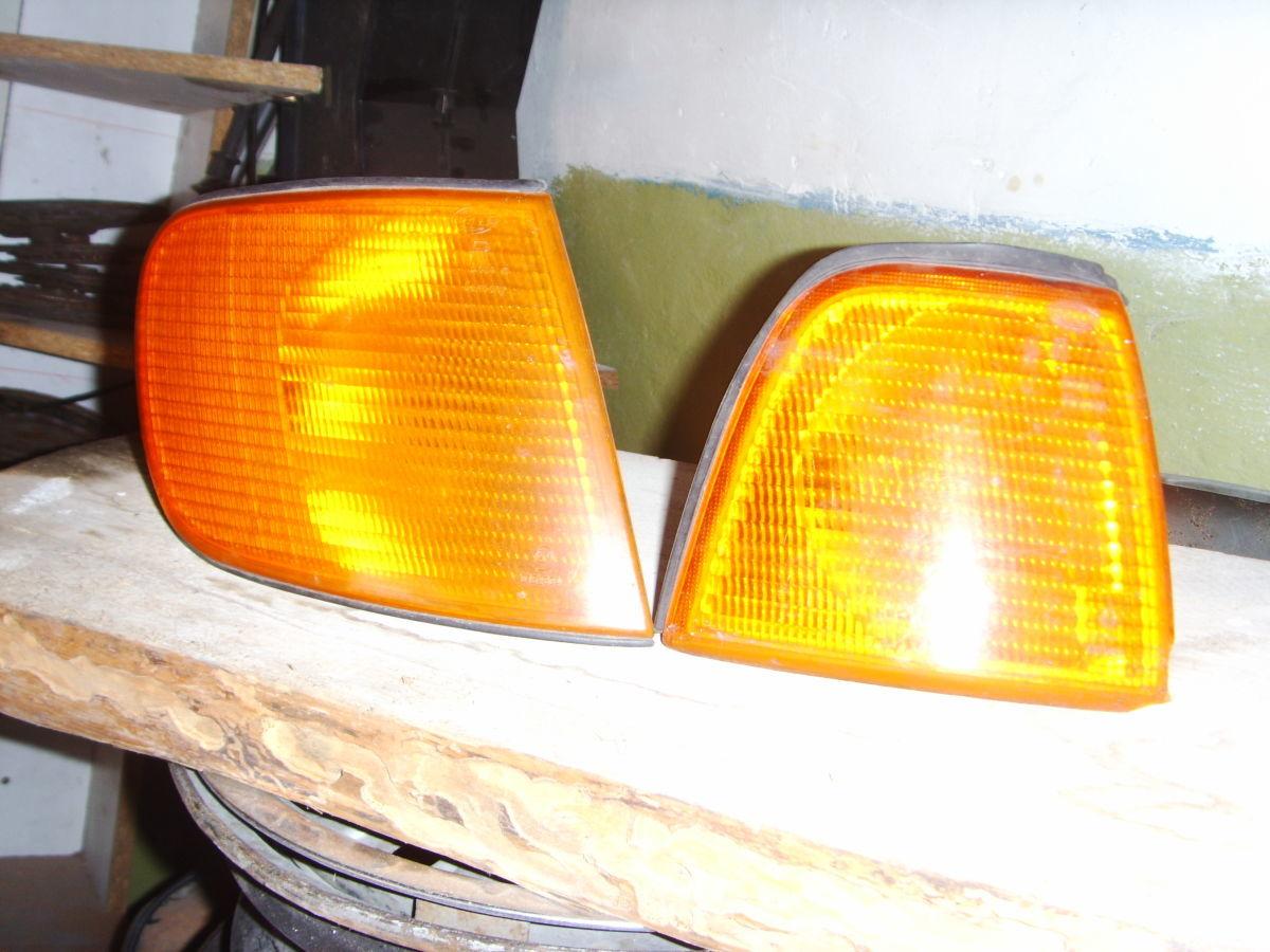 Фото - На AUDI 80/100 87 г.в. правый поворотник оригинальный.