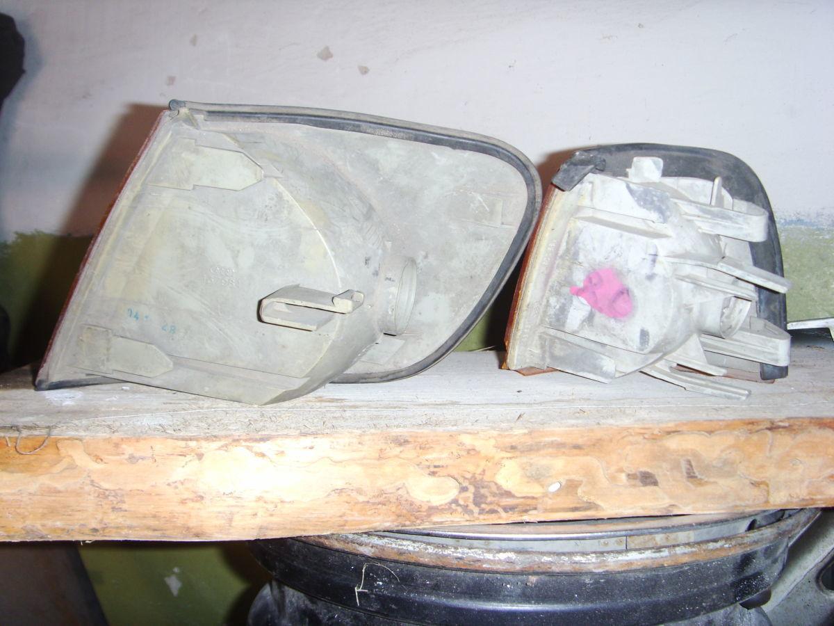 Фото 4 - На AUDI 80/100 87 г.в. правый поворотник оригинальный.
