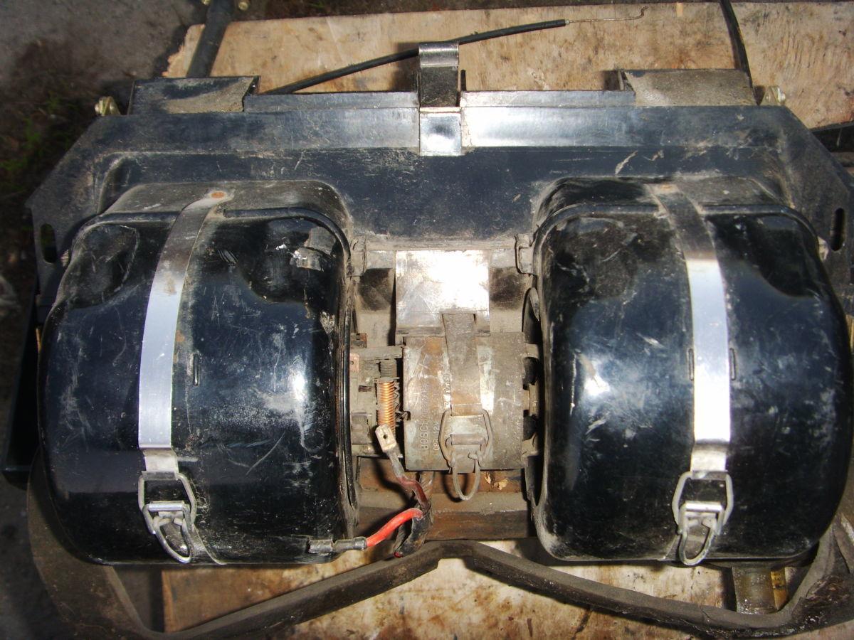 Фото 3 - На BMW 5 (E12) печка (отопитель) в сборе.