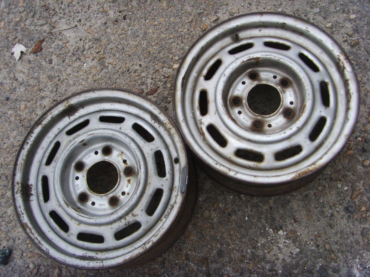 Фото - На BMW 5 (E12, E28) колёсные диски оригинальные 14х5,5 дюйм.