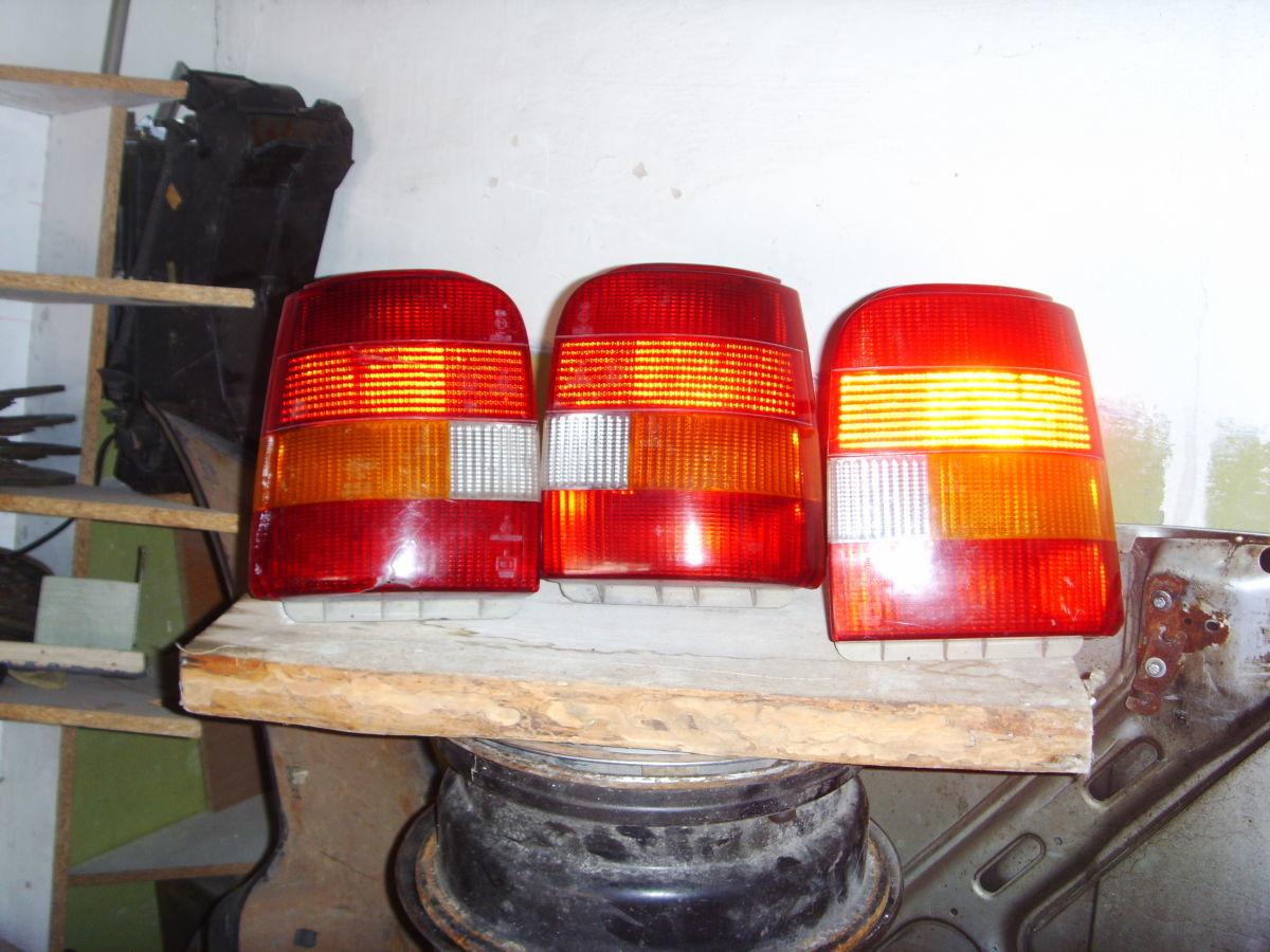 Фото - На FORD SIERRA универсал задние фонари оригинальные.