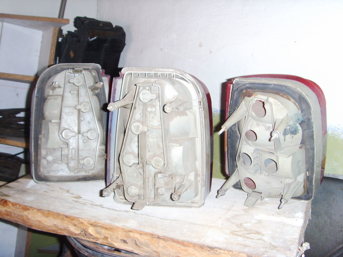 Фото 3 - На FORD SIERRA универсал задние фонари оригинальные.