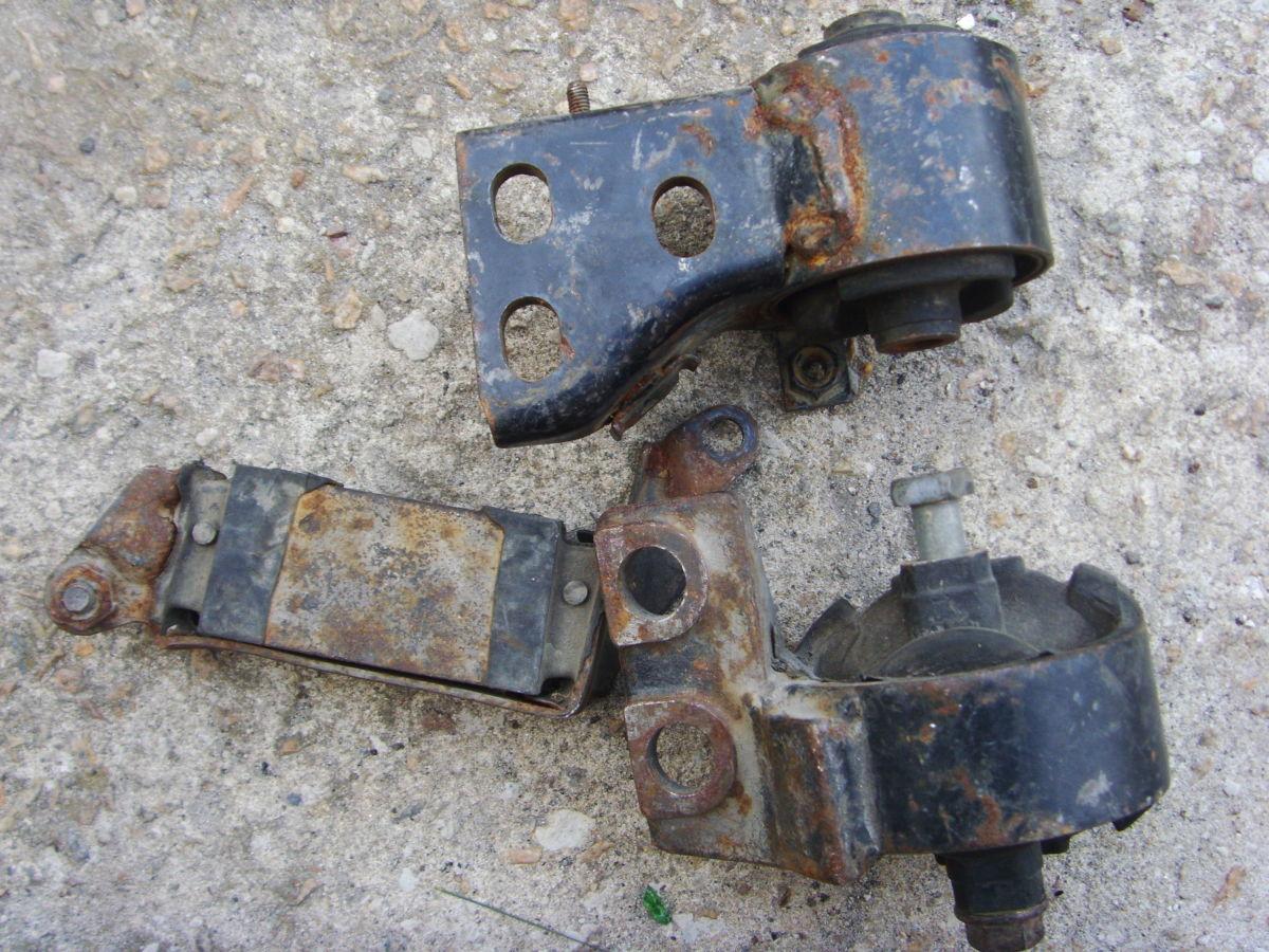 Фото 3 - На Mazda 626 до 91 г.в. 2,0 бенз. (FE, FE-T) подушки двигателя и КПП.