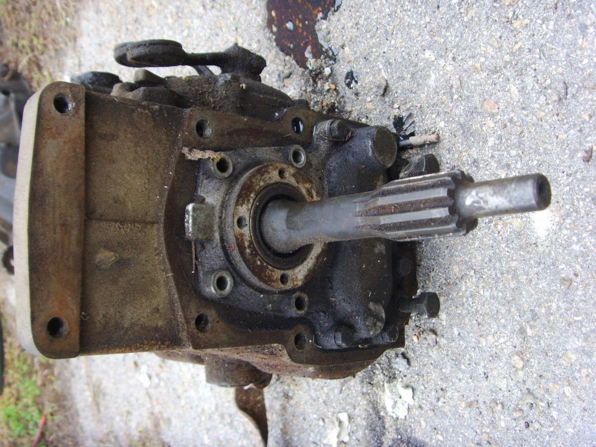Фото 4 - На MERCEDES 123  2,0 бенз. КПП4 без кожуха сцепления (колокола).