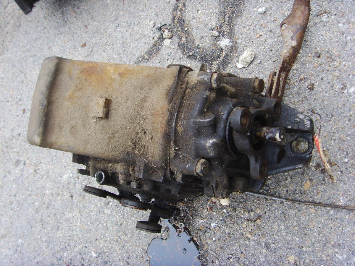 Фото 3 - На MERCEDES 123  2,0 бенз. КПП4 без кожуха сцепления (колокола).