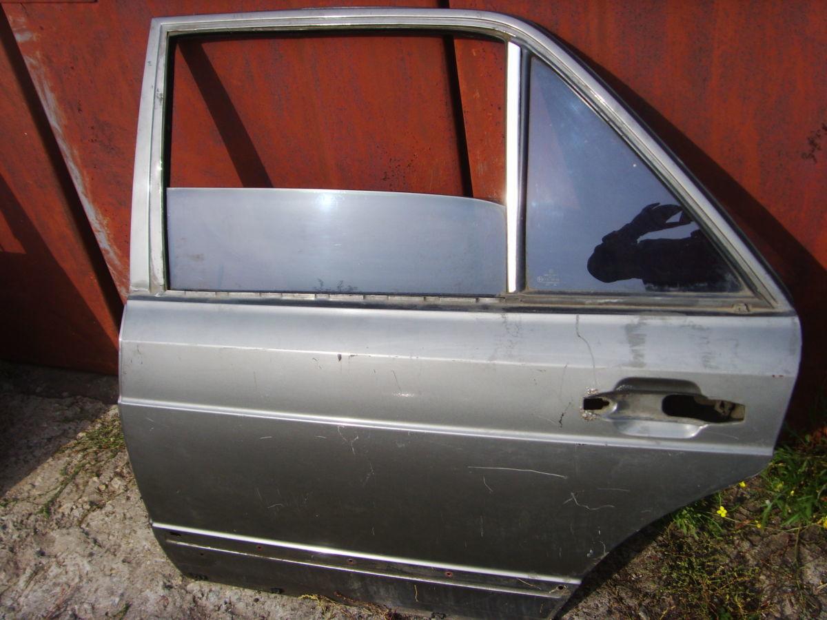 Фото 3 - На MERCEDES 126 задние двери в сборе со стёклами..