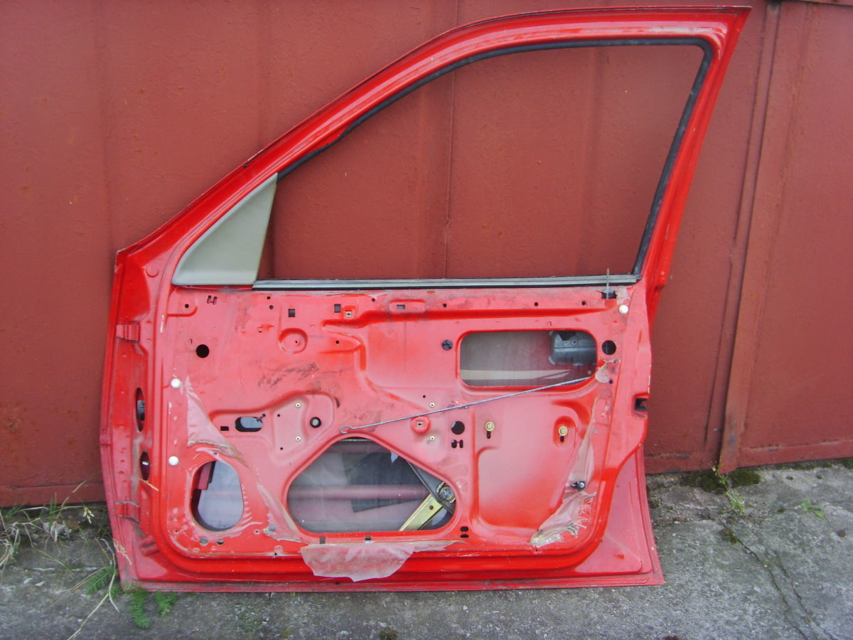 Фото 5 - На OPEL VECTRA A двери кузова красные. 600 грн.