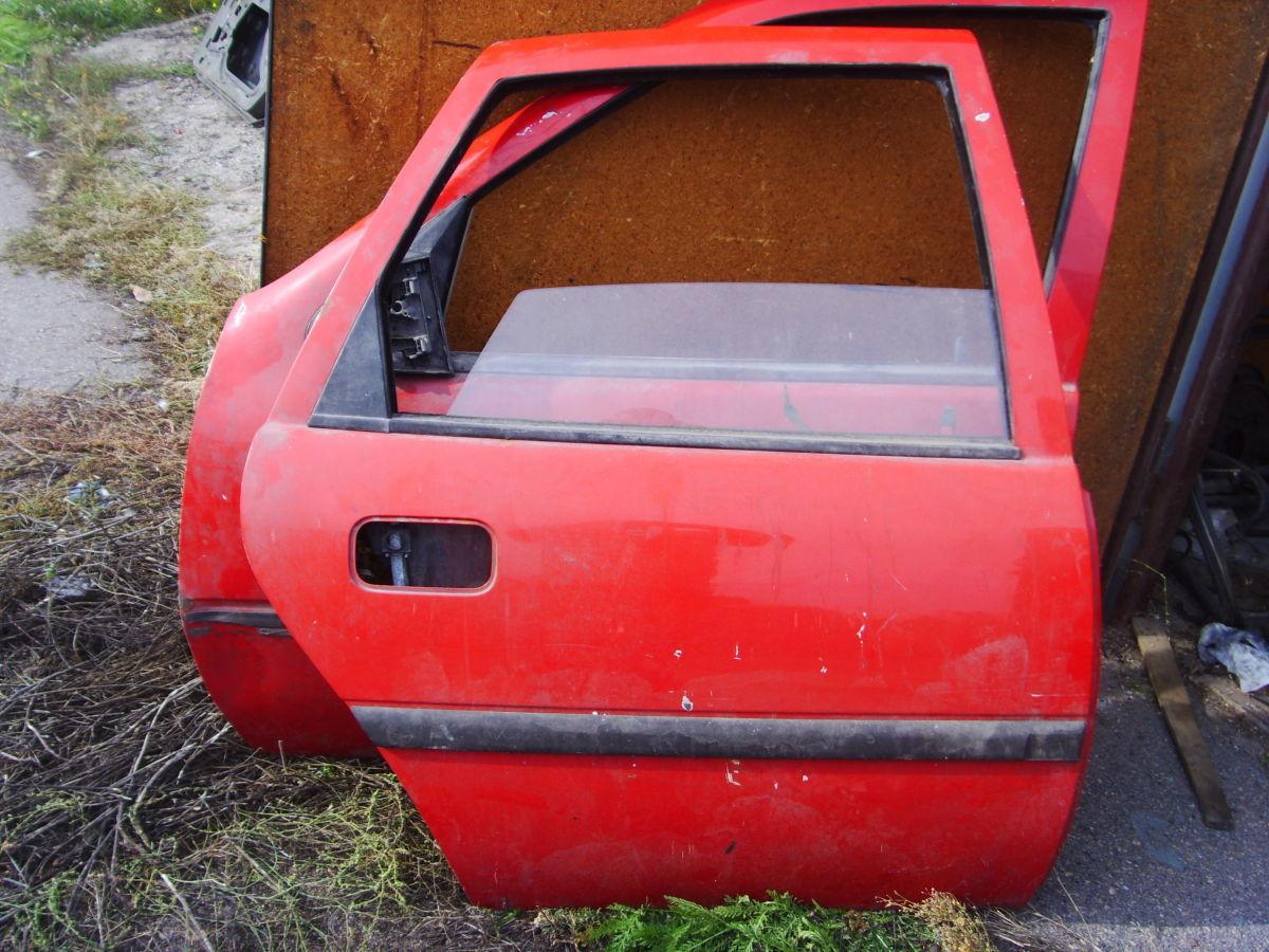 Фото 7 - На OPEL VECTRA A двери кузова красные. 600 грн.