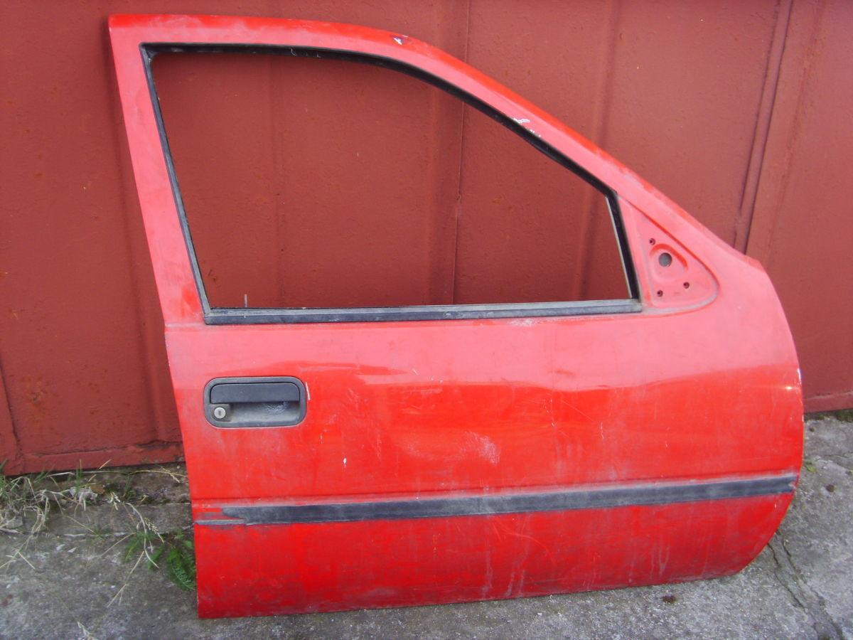 Фото 4 - На OPEL VECTRA A двери кузова красные. 600 грн.