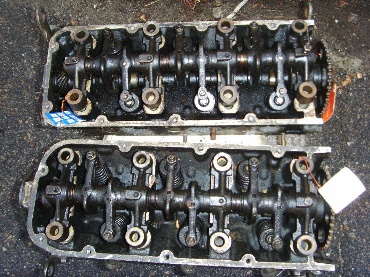 Фото 2 - На RENAULT 25, VOLVO 264 B27i V6 головки блока правая и левая.